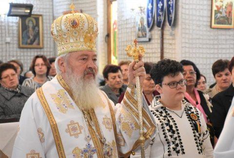 IPS Andrei a oficiat sărbătoarea Intrării Domnului în Ierusalim la parohia Florești
