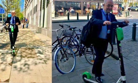 Emil Boc a încercat o trotinetă electrică la Bruxelles