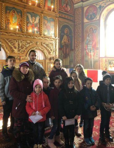 """Parohia ortodoxă """"Sfiintii arhangheli Mihail si Gavriil"""" Aruncuta din Cluj a renăscut. Tânărul preot Andrei Sîrb a însuflețit comunitatea"""