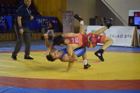 Cluj-Napoca găzduiește Campionatul Internațional de lupte libere pentru juniori. 320 de sportivi din peste 20 de state se vor lupta pentru medalii în orașul de pe Someș