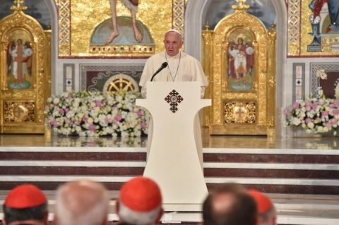 """Papa Francisc în Catedrala Națională: """"Tatăl Nostru"""" este strigătul față de foametea de iubire a timpului nostru"""