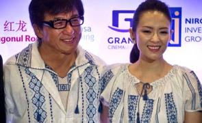 Jackie Chan s-a îmbrăcat în ie românească
