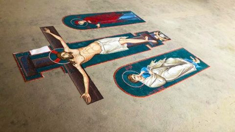 Crucea de pe Catapeteasma Catedralei Naționale este gata de montaj