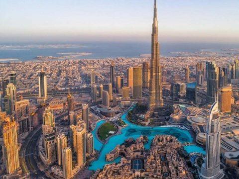 Dubaiul le permite turștilor să cumpere alcool din magazine. Să nu fie musulmani