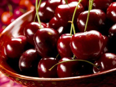 Studiu: consumul de cireșe este anticancerigen