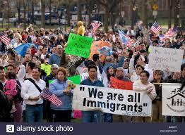 Trump anunță o operatiune masivă de arestare și deportare a imigrantilor, care începe in weekend