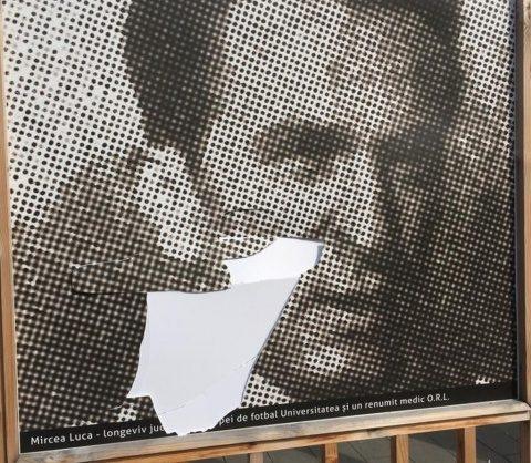 Expoziția care marchează Centenarul U Cluj, vandalizată. Galeria Șepcilor Roșii este revoltată