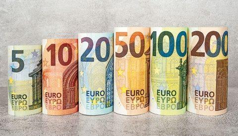 Suedia a revenit prin lege din nou la banii cash. Societate fără bani lichizi este o utopie