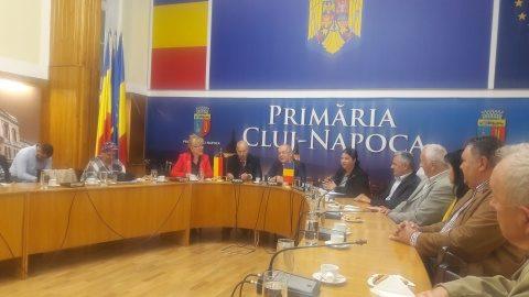 Familia Grove omagiată la Primăria clujeană pentru acțiunile caritabile desfățurate de 30 de ani în România