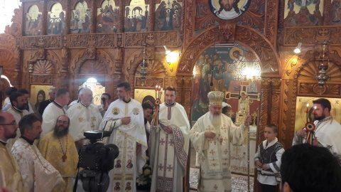 După 35 de ani Biserica Sf. Prooroc Ilie din cartierul Mărăști a fost sfințită de IPS Andrei