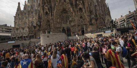 Protestatarii catalani au blocat intrarea în catedrala Sagrada Familia din Barcelona
