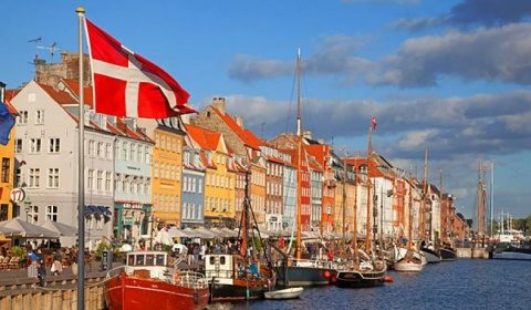 Danemarca anunţă că pregăteşte un 'paşaport de vaccinare'