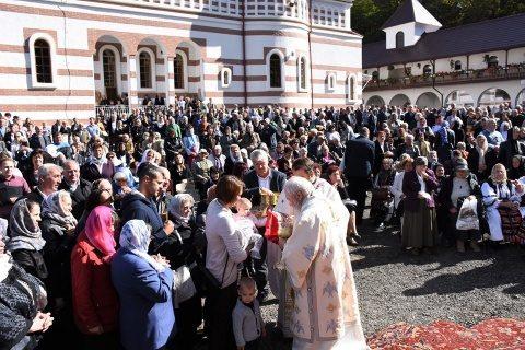 Mulțime de clujeni la Hramul Mănăstirii clujene Florești