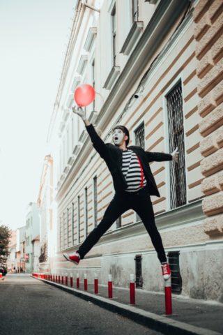 Mimo Poetul anunță primul spectacol de pantomimă la Cluj-Napoca