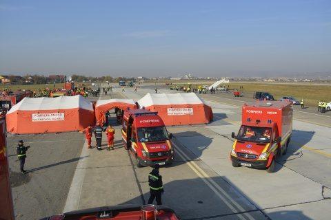 Simulare de incendiu la un avion pe Aeroportul Internațional Cluj