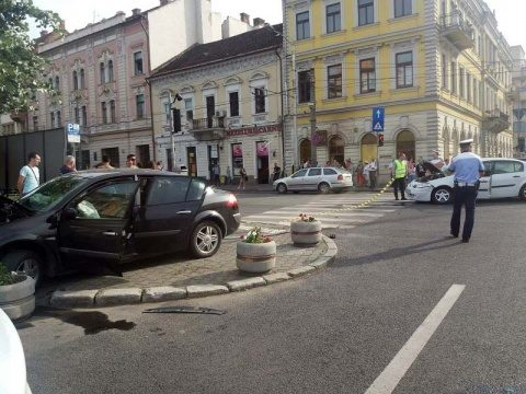Accident în Piața Avram Iancu. Șase persoane duse la spital