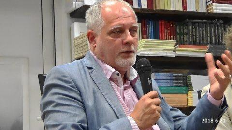 Răzvan Bucuroiu: Un apel la cumpănire