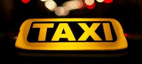 Primăria Cluj-Napoca permite accesul taxiurilor pe banda dedicată transportului în comun de pe B-dul Nicolae Titulescu