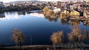 O femeie a fost găsită în lacul de la Iulius Mall