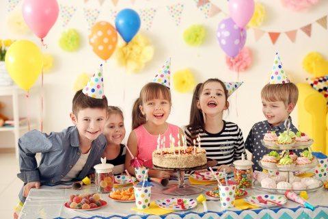 TOP 6 idei de cadouri aniversare potrivite pentru prichindei, indiferent de varsta!