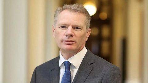 Ambasadorul britanic a fost arestat in Iran