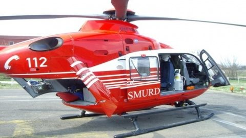 Patru tineri au fost răniţi într-un accident rutier transferați cu elicopterul la Cluj