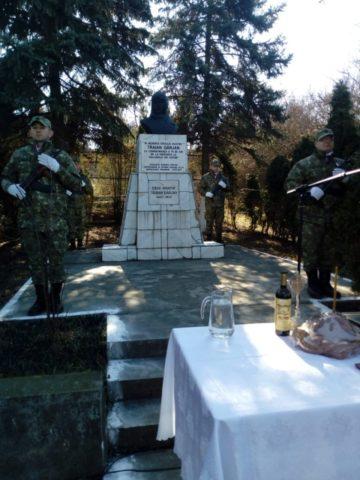 Ceremonie la 75 de ani de la ultima decolare a eroului Adj. av. Traian Dârjan la Cluj-Napoca