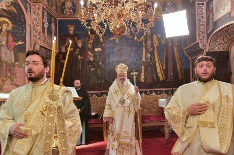 """Preafericitul Daniel le cere autorităților să revină asupra deciziei """"disproporționată, discriminatorie şi luată fără o consultare prealabilă cu Biserica Ortodoxă Română"""" privind pelerinajele"""
