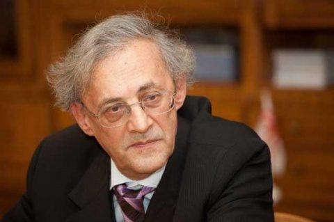 Vasile Astărăstoae: Comunitatea științifică și decidenții politici