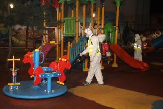 Poemul Zilei: Lacăt pe parcul copiilor!