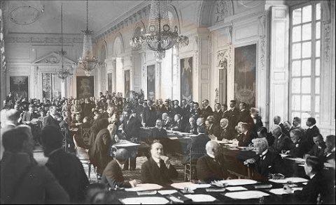 Klaus Iohannis şi-a făcut curaj: Legea Tratatului de la Trianon, promulgată