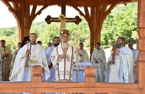 """Hramul Mănăstirii de la Vad, ctitoria Sfântului Voievod Ștefan cel Mare: """"un exemplu de credință în Dumnezeu, de dragoste față de Biserică și față de neamul nostru"""""""