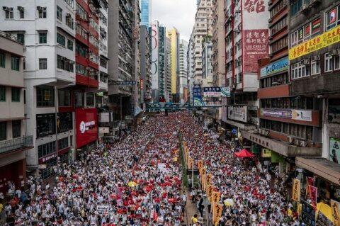 Crestinii din Hong Kong se tem de persecutii din partea Partidului Comunist chinez. Biserici confiscate de activiștii marxiști