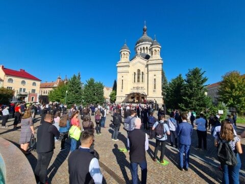 Anul școlar a început în condiții speciale la Cluj-Napoca. Elevii si profesorii seminariști s-au rugat alături de Mitropolitul Andrei
