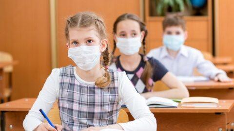 Autoritățile franceze renunţă la o parte dintre restricțiile aplicate: Fără măşti la elevii până la 10 ani