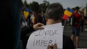 """Mega-protest în fața Guvernului împotriva restricțiilor sanitare. """"Aceasta NU este educație liberă"""""""