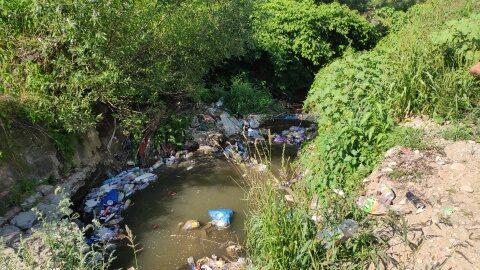 Cursurile de apă din Cluj, la control! Gunoaiele sunt pericol de inundații