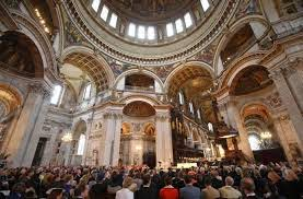 Șeful Bisericii Catolice din Anglia a atacat autoritățile pentru interzicerea serviciilor religioase în interiorul bisericilor