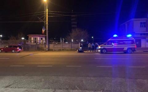 Bărbat aflat în stare de ebrietate a fost lovit de o mașină pe o stradă din Cluj