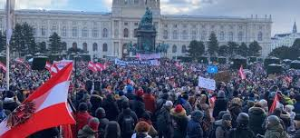 10.000 de oameni au protestat sâmbătă în capitala Austriei împotriva restricțiilor. Petrecere pe stradă