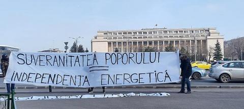 """Grupul Legitimă Apărare a transmis azi două mesaje Guvernului: """"Suveranitatea Poporului = Independența Energetică"""" și """"Nu închideți minele! Solidari cu minerii"""""""