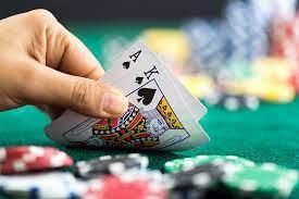 Vrei să devii un jucător de blackjack expert? Iată cele mai bune moduri de a exersa