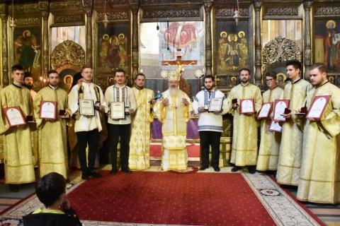 Liturghie arhierească la Catedrala Mitropolitană. S-au acordat ordine și distincții