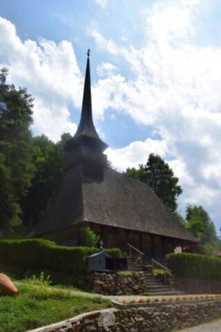 Biserica de lemn a mănăstirii Ciucea de pe domeniul Goga