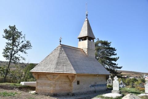 Restaurarea bisericii de lemn din Săliștea Veche
