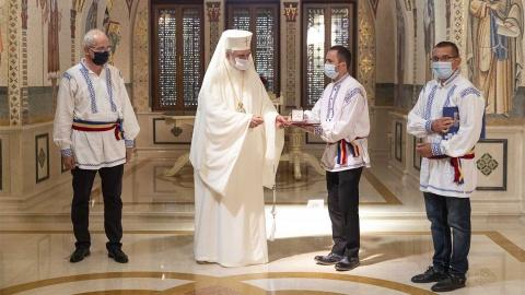 Patriarhul României a premiat trei fotografi pentru promovarea comunității și limbii istro-române
