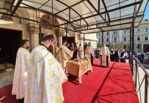 Noul an școlar a început prin rugăciune la Cluj-Napoca. Te Deum la Catedrala Mitropolitană