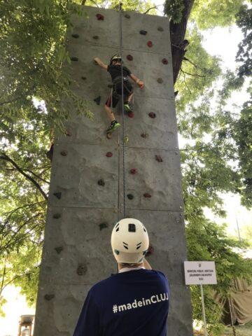 Atracții la UNTOLD: panou de escaladă, cărți și spectacole pentru copii