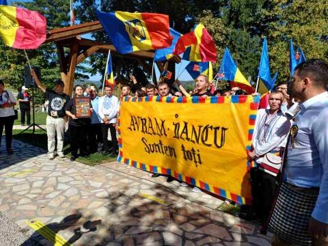 Sute de persoane au luat parte la Serbările Naţionale de la Ţebea. Fără spectacol folcloric datorită pandemiei. Țebea nu e Untold