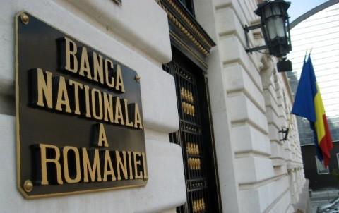 Președintele Klaus Iohannis a trimis Parlamentului, spre reexaminare o lege privind aurul BNR. Rămâne la Londra